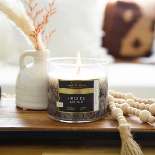 Candle-lite CLCo Candle Wooden Wick 14 oz luksusowa świeca zapachowa z drewnianym knotem ~ 90 h - No. 43 Fireside Amber